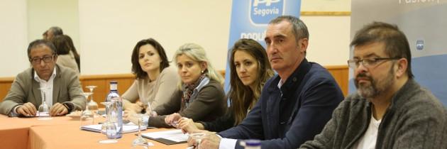 Raquel Fernández preside el foro de debate sobre cultura del ciclo Pasión por Segovia