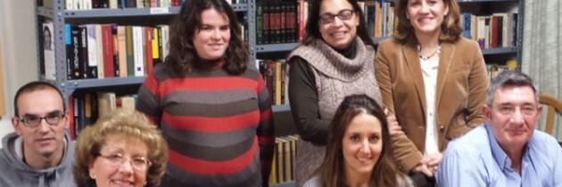 La candidata del PP a la Alcaldía de Segovia, Raquel Fernández, se interesa por las demandas de los barrios incorporados