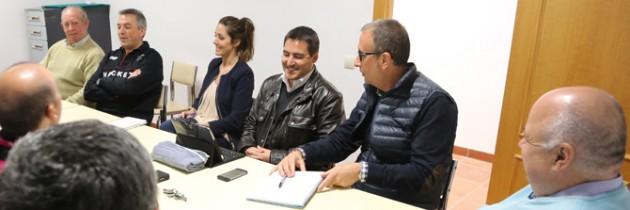 Los vecinos de Hontoria muestran a Raquel Fernández su descontento con el Ayuntamiento de Segovia