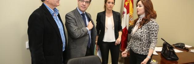 Álvaro Nadal aborda el Programa de Estabilidad y el Plan Nacional de Reformas del Gobierno con el PP de Segovia