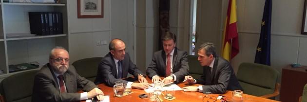 Vázquez y Sanz Vitorio buscan una solución a la travesía de San Rafael en un encuentro con Fomento