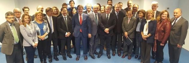 Juan Vicente Herrera y José Manuel Barreiro presiden la constitución del grupo de senadores de Castilla y León