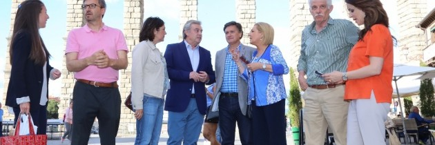 José Manuel Barreriro con los candidatos del PP de Segovia