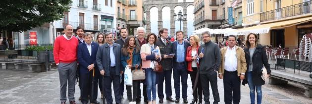 Alfonso Fernández Mañueco, con los candidatos del PP de Segovia
