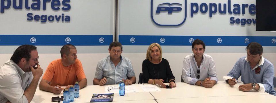 La Presidenta del PP de Segovia, Paloma Sanz, se reúne con las vicesecretarías de Organización, Política Territorial y Acción Social