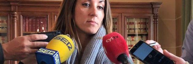 La alcaldesa de Segovia, Clara Luquero, incumple su palabra al no entregar los presupuestos a tiempo