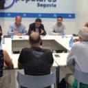 La sede del PP de Segovia acoge una  reunión sobre el PRUG de Guadarrama  entre el director general de Medio Natural y el colectivo ciclista