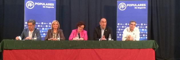 El PP de Segovia reúne a varios alcaldes en un encuentro territorial presidido por Paloma Sanz y celebrado en Nieva, con el fin de analizar diversos asuntos de  actualidad