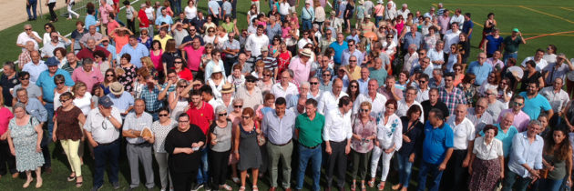 Alfonso Fernández Mañueco acompaña a los populares segovianos en la tradicional paella de inicio del curso político y destaca la apuesta del PP por el mundo rural