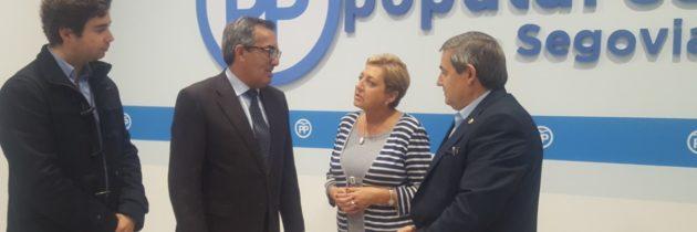 La Presidenta del PP mantiene un encuentro con el nuevo Alcalde de Ayllón
