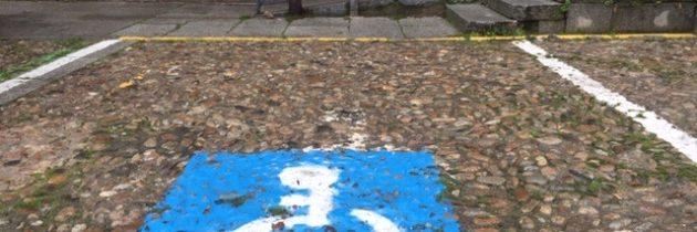 El PP en el Ayuntamiento pide que el dinero de las multas por aparcar en plazas reservadas para personas con movilidad reducida revierta en accesibilidad