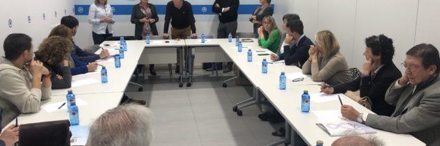 La tercera mesa de trabajo del PP sirve para conocer la labor y las demandas de las organizaciones sanitarias y sociales