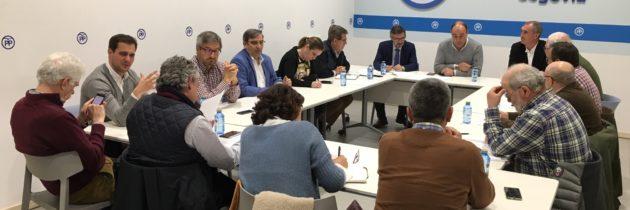 El PP aboga por blindar la caza en un en-cuentro con cazadores de toda Castilla y León