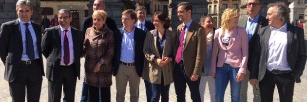 José Luis Martínez-Almeida respalda las candidaturas del PP al Congreso, al Senado y al Ayuntamiento de Segovia