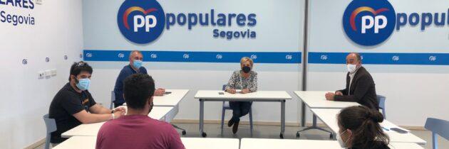 La Dirección del PP se reúne con la Asociación de Técnicos Profesionales del Espectáculo de Segovia