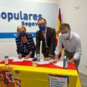 Paloma Sanz, Javier Maroto y Francisco Vázquez firman contra los indultos