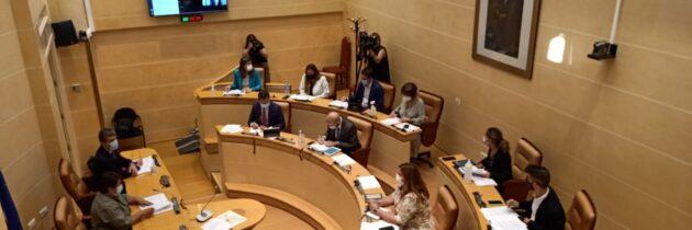 El PP municipal pide a la alcaldesa y al PSOE que dejen de utilizar al ejército y trabajen por la ciudad