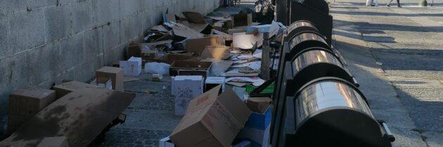 El PP municipal denuncia la marea de basuras acumuladas durante este puente festivo